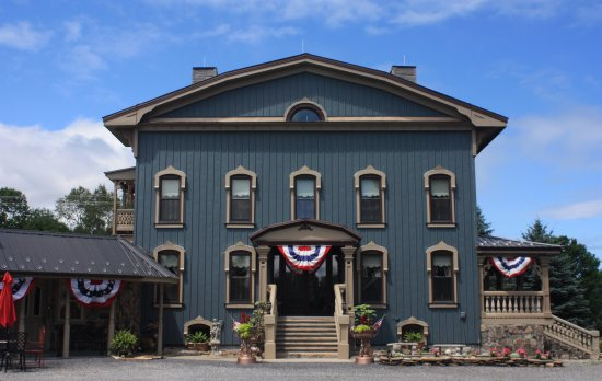 Sloansville, NY: STONE ROSE COUNTRY HOUSE OFFERING GRACIOUS COUNTRY SPLENDOR TO ALL