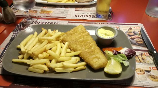 Nemours, Frankrike: fish and chips