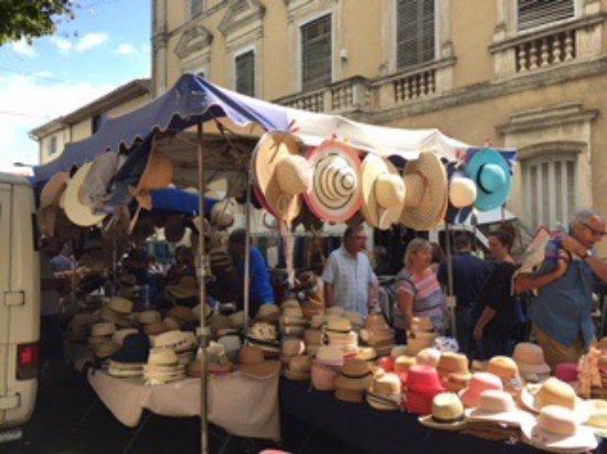 写真Olonzac Market枚