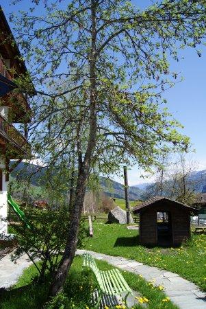 Waltensburg, Schweiz: Garten