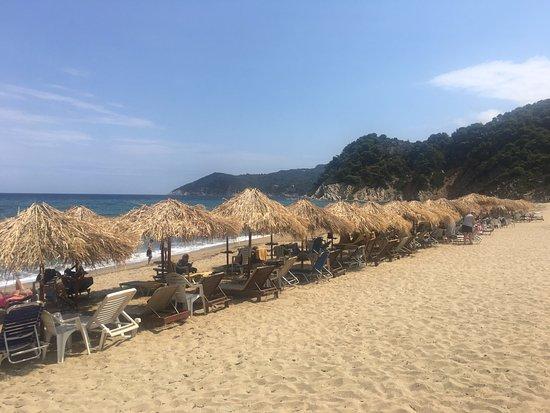 Megalos Aselinos Beach: veduta ombrelloni