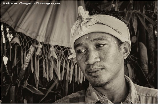 Ababi, Indonesien: Kadek : Amazing personality representing the true Bali like I experience first way back in 1974.