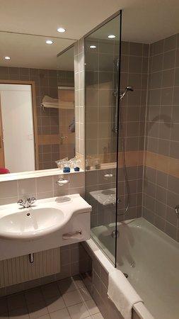 The Aquincum Hotel Budapest: El baño