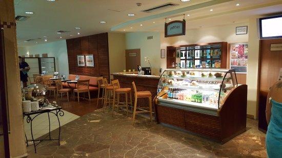 The Aquincum Hotel Budapest: cafetería del SPA