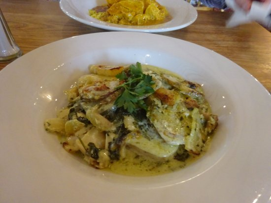 Chalford, UK: spinach and potato bake