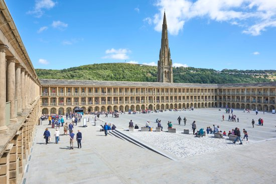 ‪The Piece Hall‬