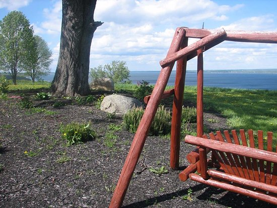 Ovid, NY: Swing at peace in the Vacation Cottage at Toro Run Estates...