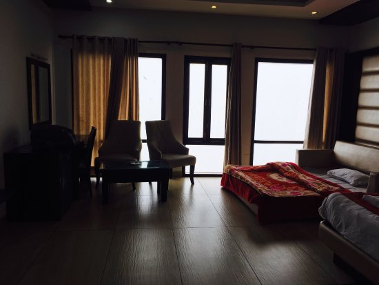 Kbs value hotel spa mussoorie lodge reviews photos for 30 east salon downingtown reviews