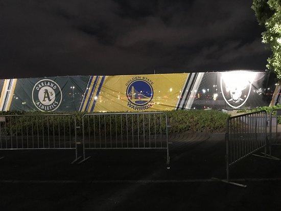 Oakland-Alameda County Coliseum: photo7.jpg