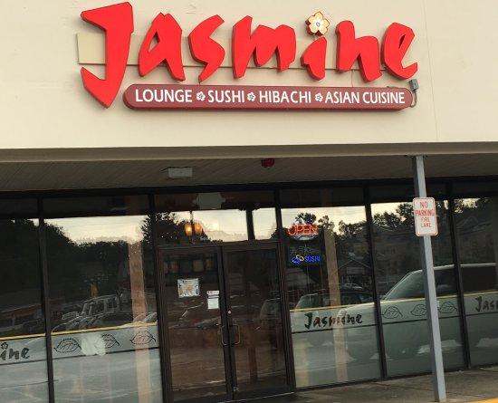 Auburn, MA: Jasmine Facade