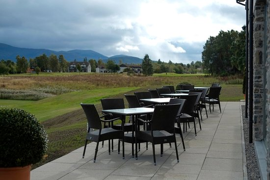 Aviemore, UK: Outdoor seating at the Clubhouse