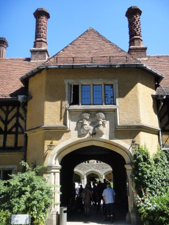 Schloss Cecilienhof: 正面玄関