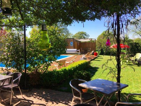La Maison du Lac: jardin/piscine