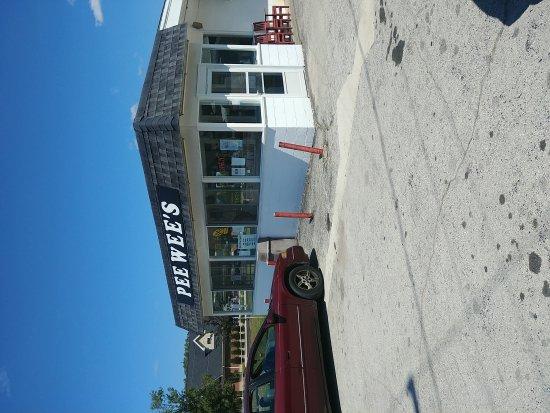 Perrysburg, OH: Pee Wee's Darisnak