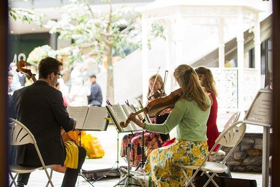 London Designer Outlet: Summer music at the LDO bandstand