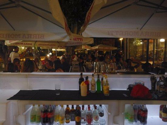 Zero7cinque Lago: Cena e dopocena con Cocktail e super alcolici.