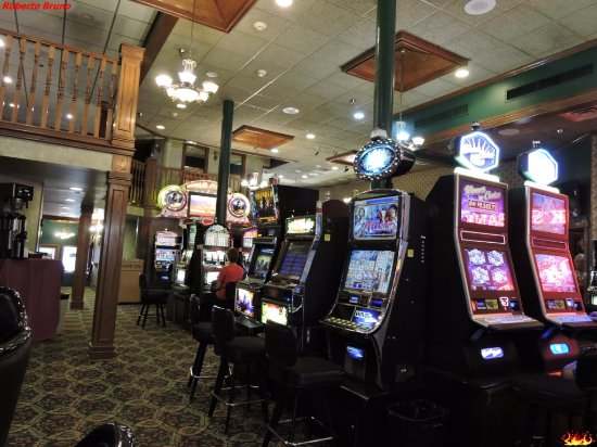 Hickok's Hotel & Gaming: Slot machine