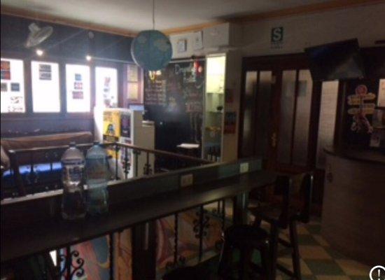 Dragonfly Hostels: Acceuil et terrasse du Dragonfly hostel Lima