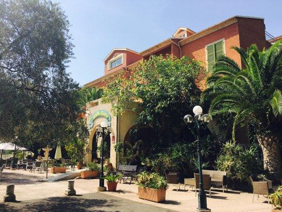 Hotel Restaurant Castellu Rossu : photo0.jpg