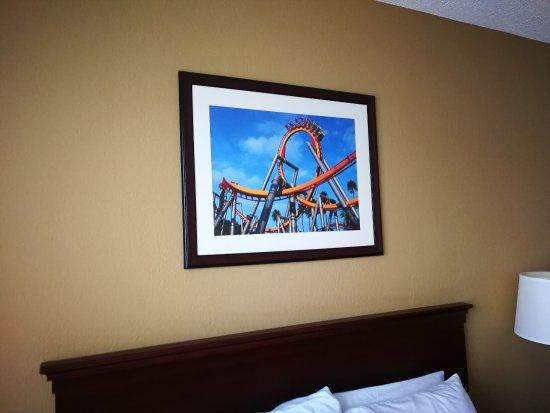 Knott's Berry Farm Hotel: Our room on the 3rd floor.