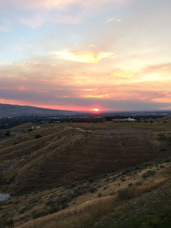 Holiday Inn Express & Suites Pocatello: Gorgeous sunset on a clear day