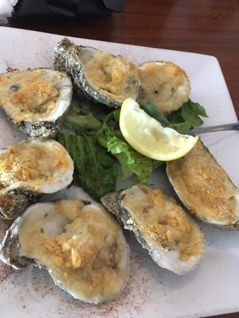 Bunky's Raw Bar & Seafood Grille: photo0.jpg