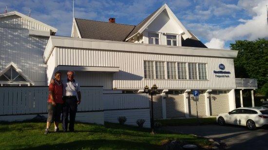 Steinkjer, Noruega: 20170807_194006_large.jpg