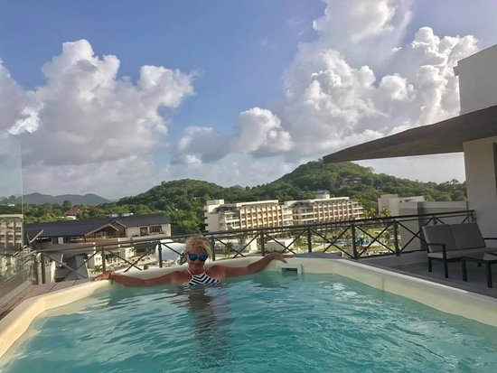 Cap Estate, Saint Lucia: Our amazing hot tub in the One Bedroom Presidential suite 4501