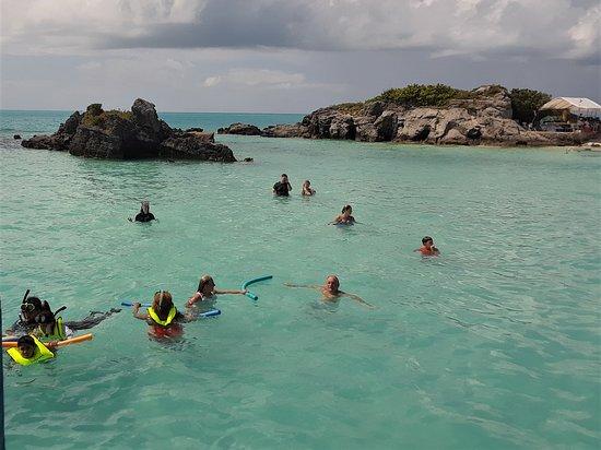 Hamilton, Bermuda: Devil's Isle Snorkel Beach Cruise Adventure