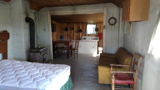 Circle View Guest Ranch: Clean inside of Hamm Homestead