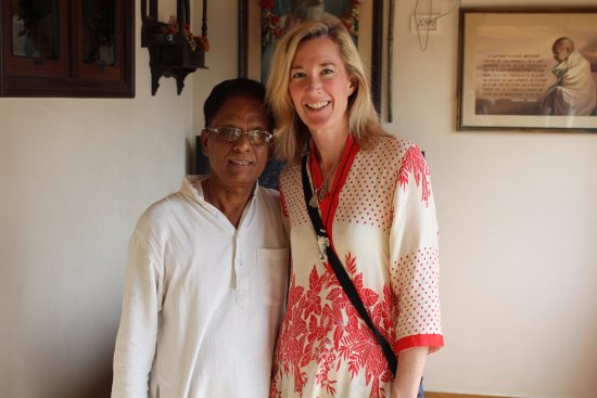 Palace on Ganges: Photo with hotel manager