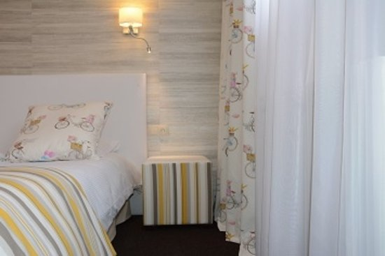 Chambre classique lit queen size 160x200cm picture for Chambre d agriculture du bas rhin
