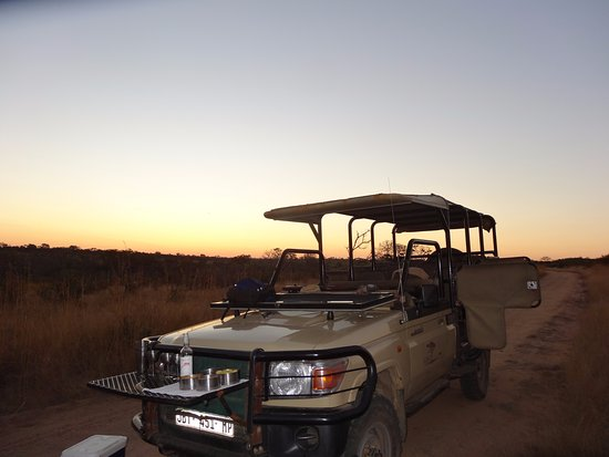 Rhino Walking Safaris at Plains Camp: The jeep you go in the evening.