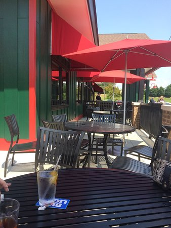 Fultondale, AL: Patio