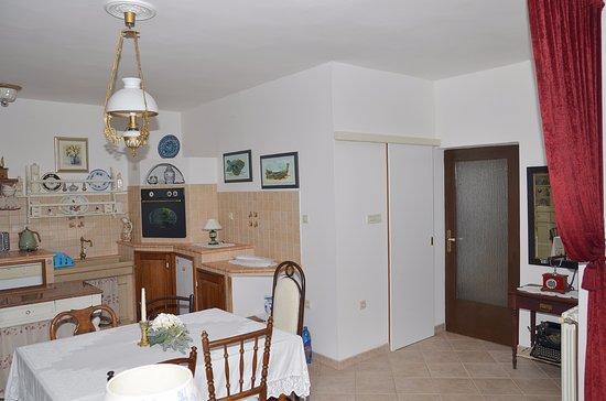 Apartments Vesna Hotel - room photo 2131080