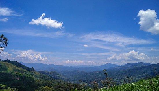 Hanthana Mountain Range
