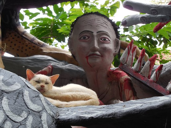 Lam Luk Ka, تايلاند: Cat & Zombie