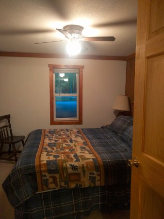 Hines, MN: Master bedroom