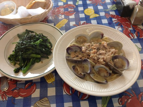 Raritan, NJ: Linguine with fresh clams, broccoli rabe