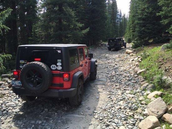 Nathrop, Kolorado: Heading up tincup pass. Lots of rock.