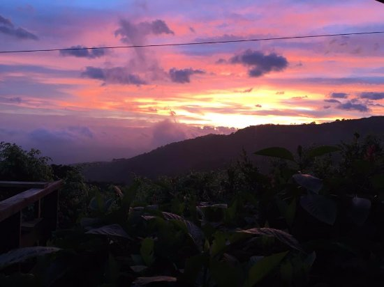 Miramar, Costa Rica: The sunset view from the restaurant