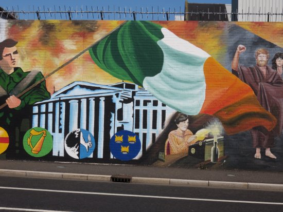 One of the murals depicting times of the troubles for Belfast mural tours