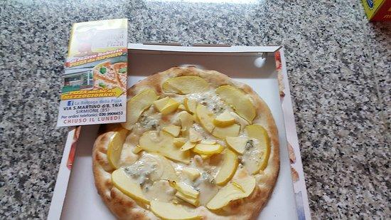La Bottega della Pizza di Marro Roberto: Gorgonzola e mele
