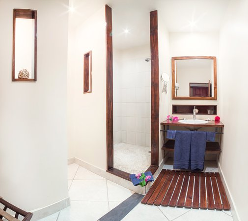 Hotel La Laguna del cocodrilo: Hab#12 suite junior (baño)
