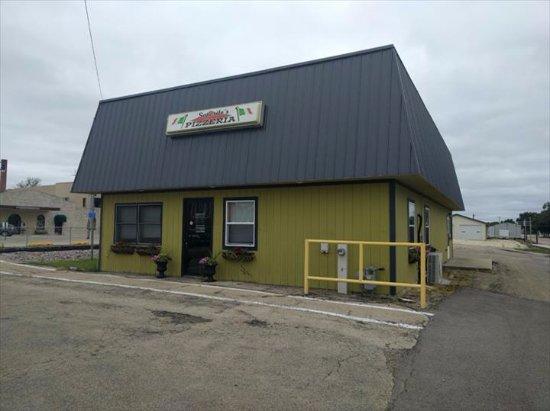 Lena, IL: business place