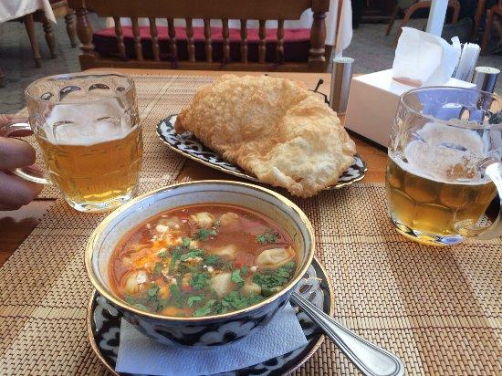 Tyubeteika : Lecker Suppe mit Teigtaschen und saure Sahne