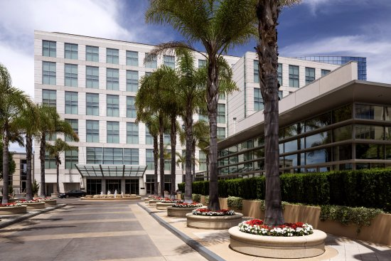 Four Seasons Hotel Silicon Valley at East Palo Alto: Exterior, court yard side
