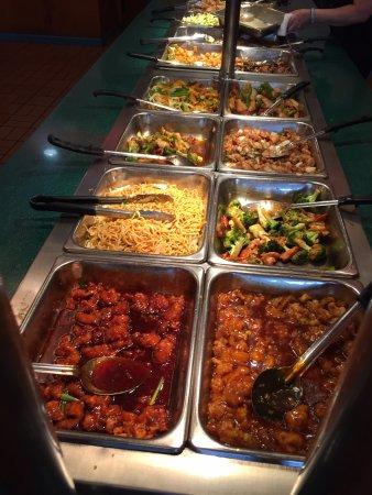 Shang Hai Buffet: well stocked
