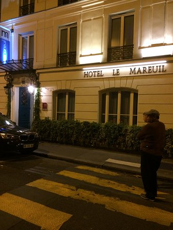 Le Mareuil: Front of Hotel