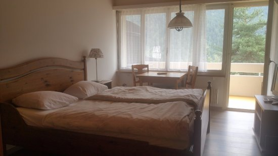 Morel, Switzerland: chambre guest house